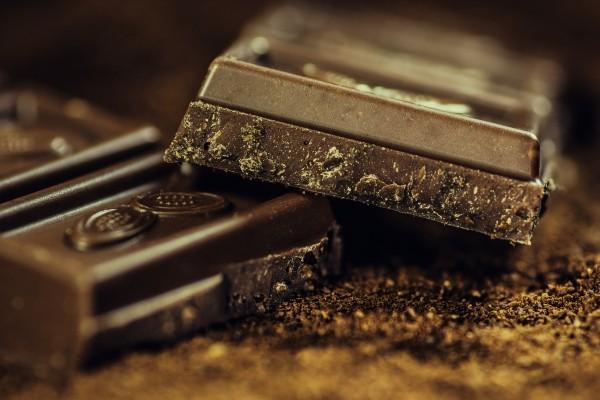 chocolate-dark-coffee-confiserie-dark-chocolate